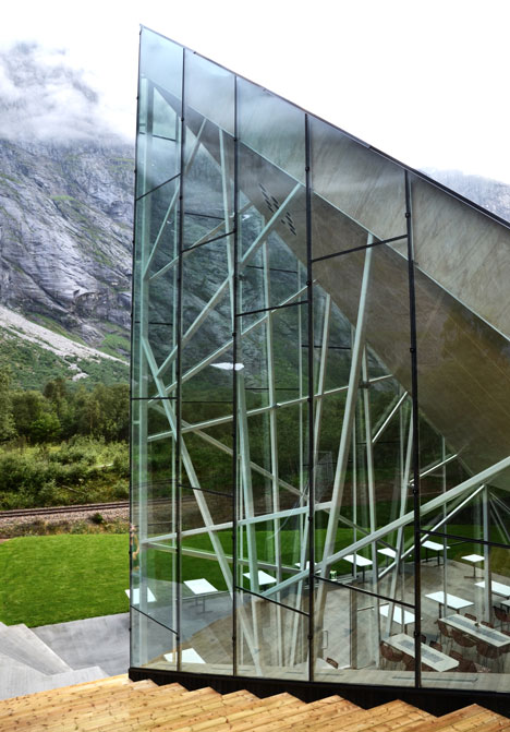 dezeen_Trollwall-Restaurant-by-Reiulf-Ramstad-Architects_6