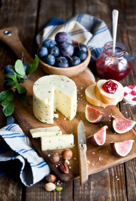 neekaisweird-cheese-board-by-the-little
