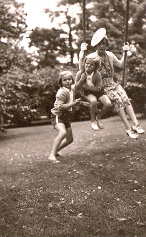 katharine_tod_girls_swing