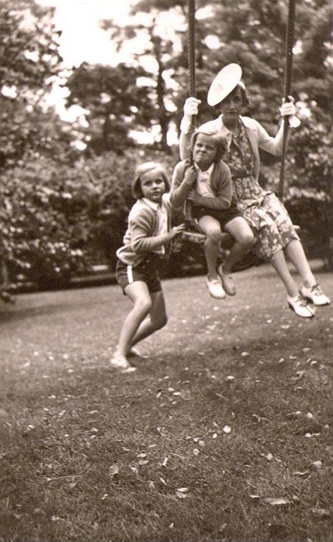 katharine_tod_girls_swing