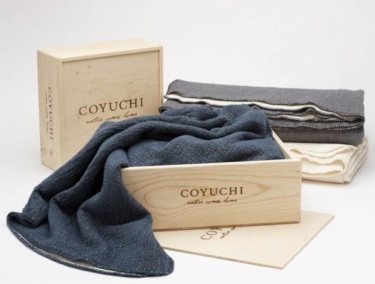 wood_gift_box_cozy_blanket_p_3