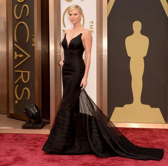 Charlize-Theron-Black-Dior-Dress-Oscars