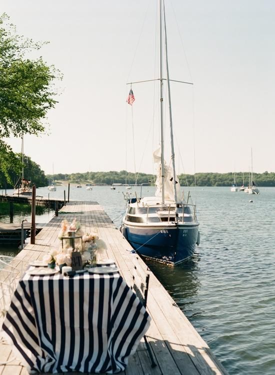 dock dining