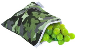 1408403356874_SWB8093_Itzy Ritzy_Snack Happens_Reusable and Washable Snack Bag_Camo 1.1200w